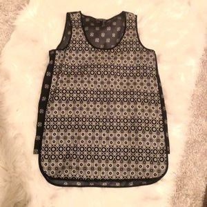 Cool black and white Vince Camuto top